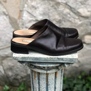 Vintage brown leather mules by Calico